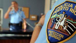 cropw0h0policia090613d 2 300x170 - Nueve niños intoxicados en escuela Nicolas Sevilla de Toa Alta