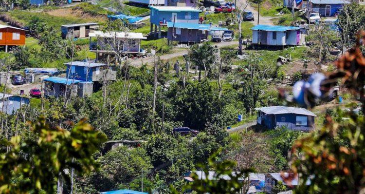 20190516prhoycasastoldosazulesjlm1472454150 750x398 - Entregarán títulos de propiedad en la comunidad Villa Esperanza en Toa Alta