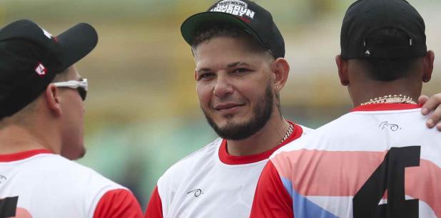 Yadier Molina vuelve a la carga y le pide la renuncia a Wanda Vázquez, CombatZonePR