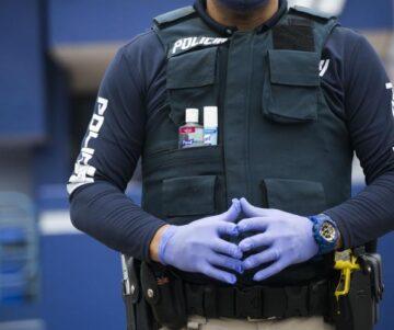 pilicia covid 360x301 - Policía reparte 10,000 esposas plásticas para las intervenciones este fin de semana