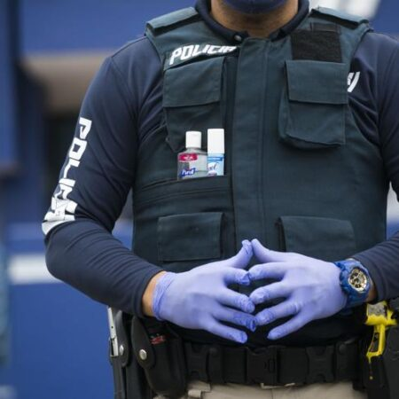 pilicia covid 450x450 - Policía reparte 10,000 esposas plásticas para las intervenciones este fin de semana