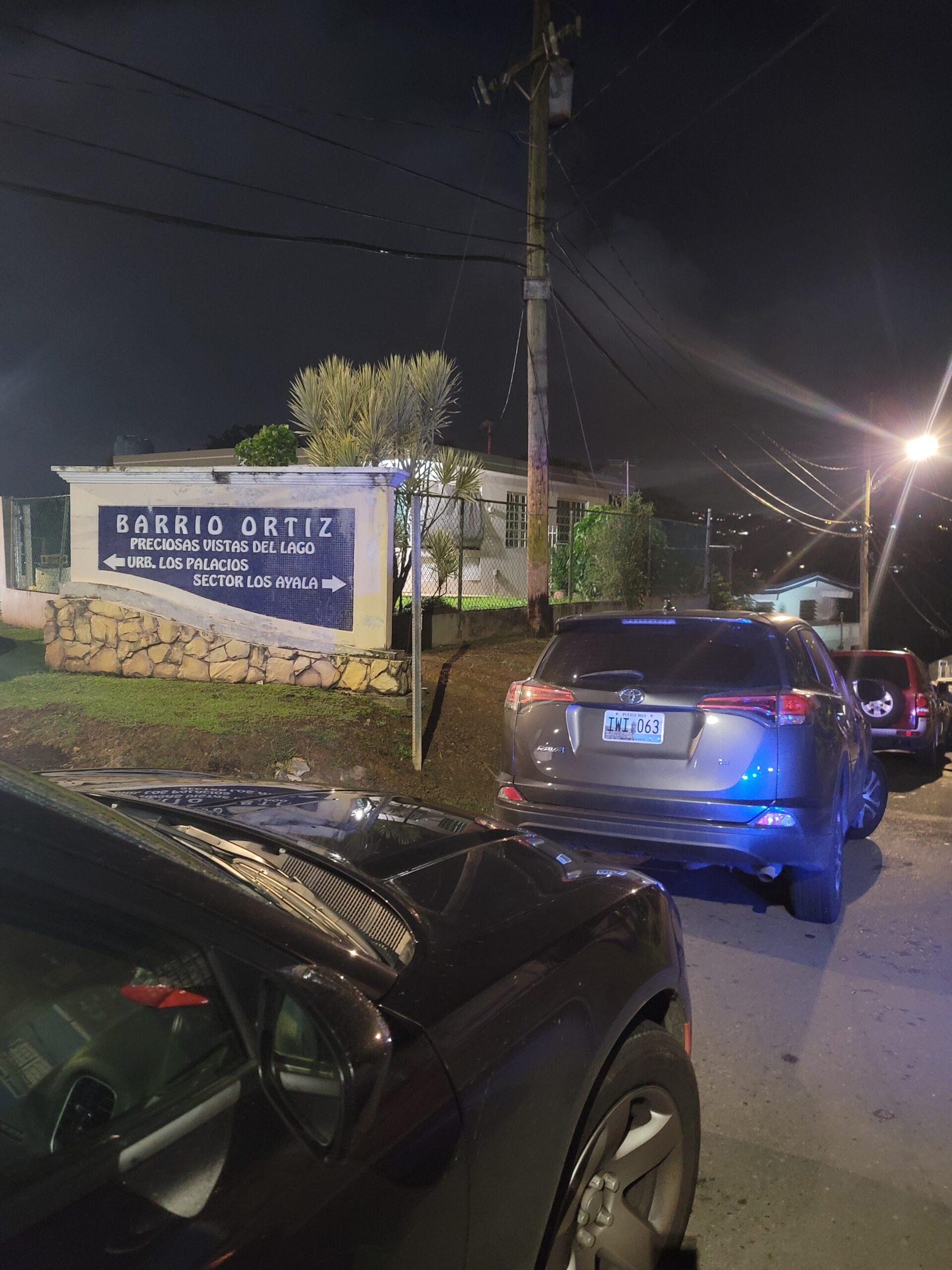 En estos momentos Vehículos Hurtados allana residencia en el Bo. Ortiz en Toa Alta, CombatZonePR